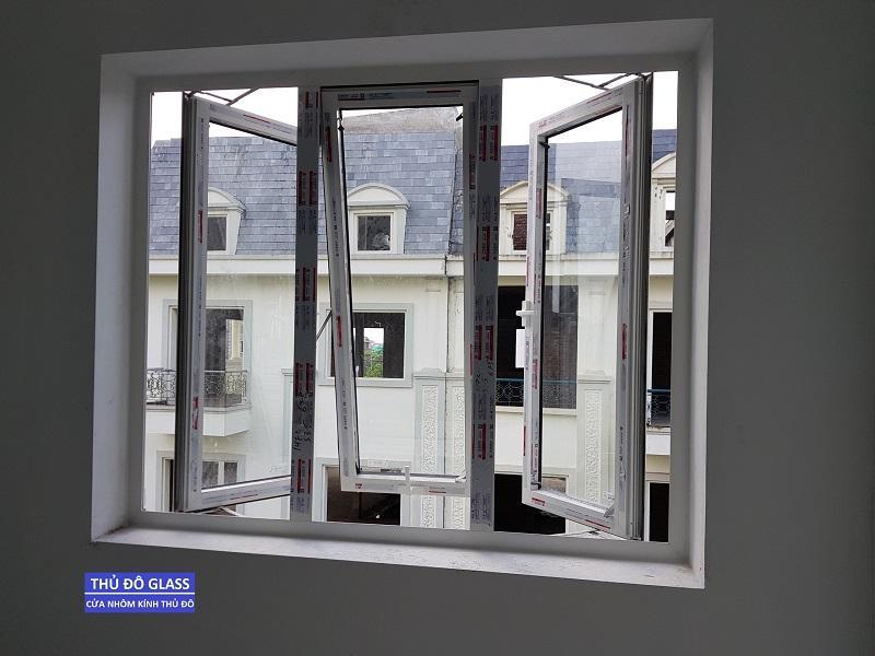 Cửa sổ mở hất nhôm Xingfa